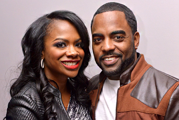 """RHOA"" Star Kandi Burruss and Husband Todd Tucker Kicked Off Hawaiian Airlines Flight [Video]"