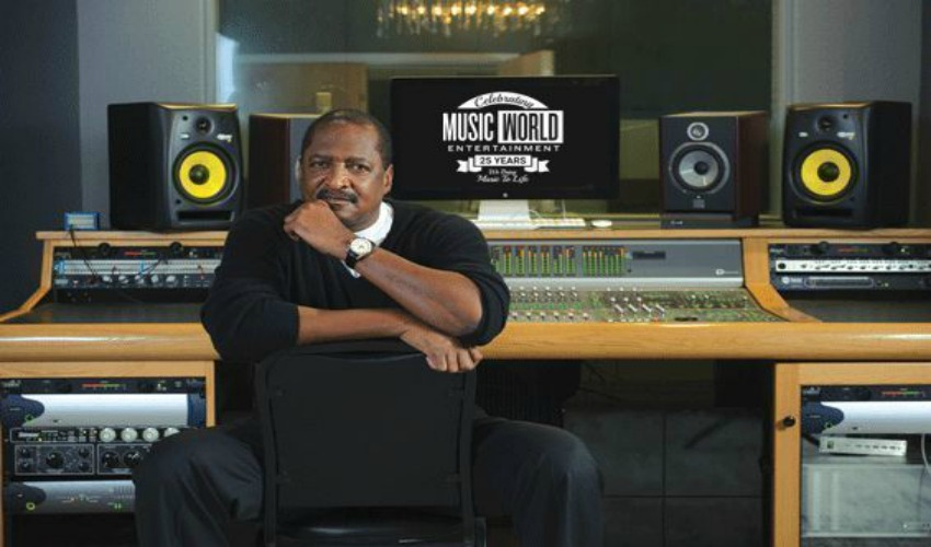 BeyHive Drags Matthew Knowles for Dropping the Bomb About Birth of Twins